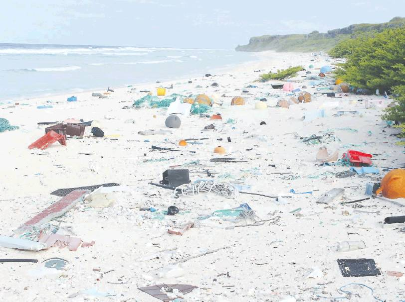 Pristine Paradise To Rubbish Dump The Same Pacific Island 23 Years Apart